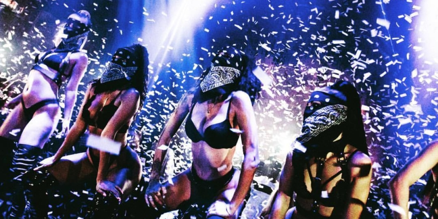 reign showclub stage show